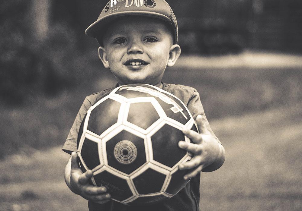 dziecko-piłka-fotografia