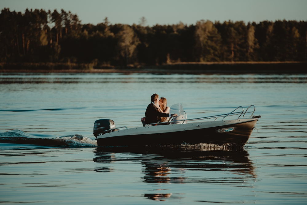 plener ślubny na łódzi